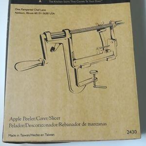 Pampered chef Apple peeler slicer corer